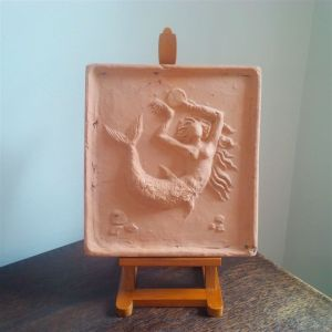 clay tile, 23 cm, made in the UK